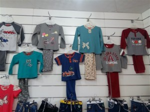 خرید عمده لباس بچگانه قشم (1)